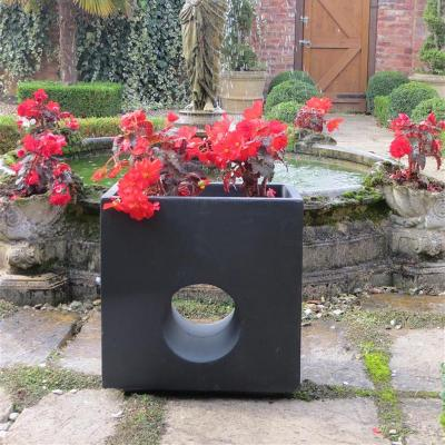 Oakham Planter in Black